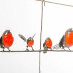 METAL ROBIN HANGING BIRD FEEDER FAM OF 4