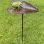 ZIMBA-ARTS METAL SMALL FROG ON LILY PAD